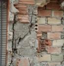 Daños en el pilar de un edificio