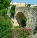Puente sobre el río Burgo en Málaga